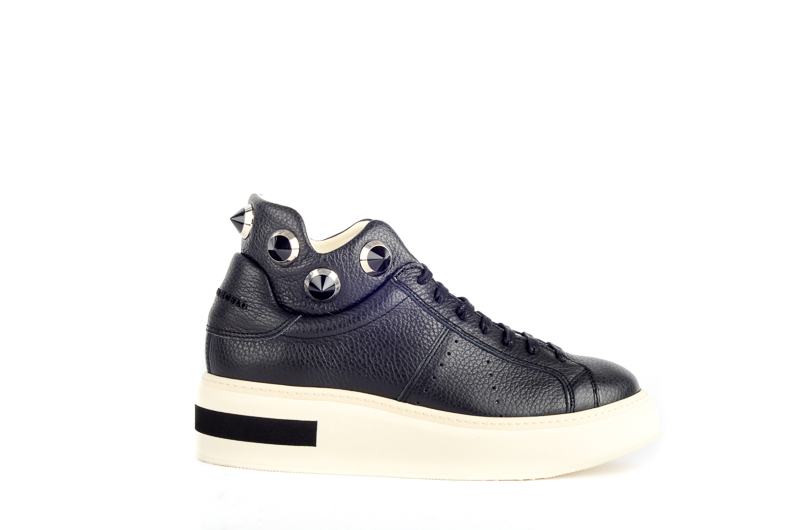 Paloma Barcelo, Dames sneakers